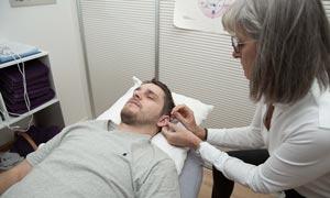Zonehelle, andre behandlingsformer - Øreakupunktur